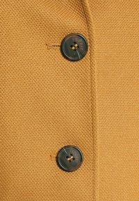 Esprit - COAT - Klasyczny płaszcz - camel - 2