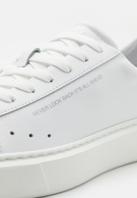 MSGM - SIDE LOGO NEW CUPSOLE - Baskets basses - white - 5