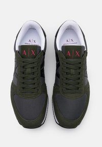 Armani Exchange - RETRO RUNNER - Sneakersy niskie - olive/black - 3