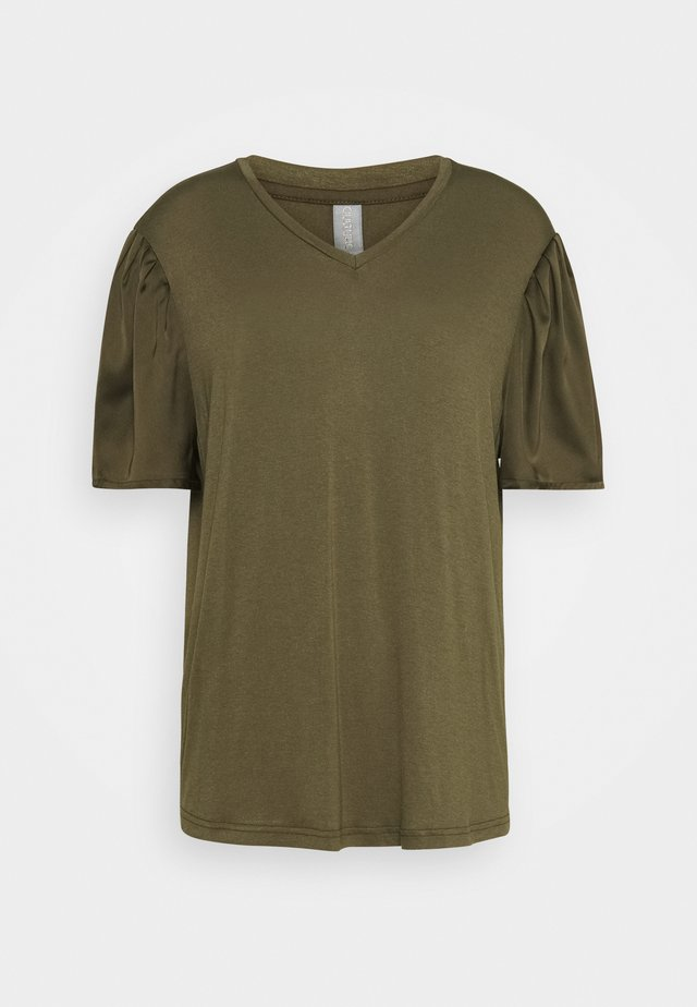 GILA V-NECK - T-shirt basique - tarmac