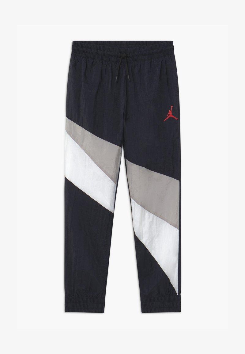 Jordan - JUMPMAN WAVE WIND - Pantalones deportivos - black
