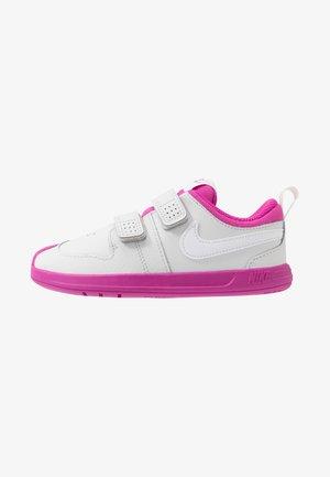 PICO 5 UNISEX - Sports shoes - platinum tint/white/active fuchsia