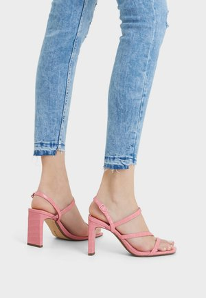 High heeled sandals - coral