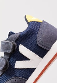 Veja - SMALL NEW ARCADE - Trainers - nautico/white/gold yellow - 2