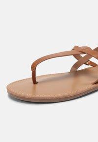 Even&Odd Wide Fit - T-bar sandals - cognac - 7