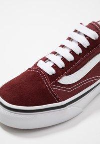 Vans - OLD SKOOL UNISEX - Sneakers basse - andorra/true white - 2