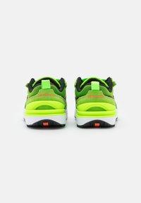 Nike Sportswear - WAFFLE ONE UNISEX - Trainers - electric green/black/mean green/hyper crimson - 2