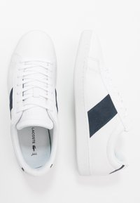 Lacoste - CARNABY EVO - Trainers - white/navy - 1