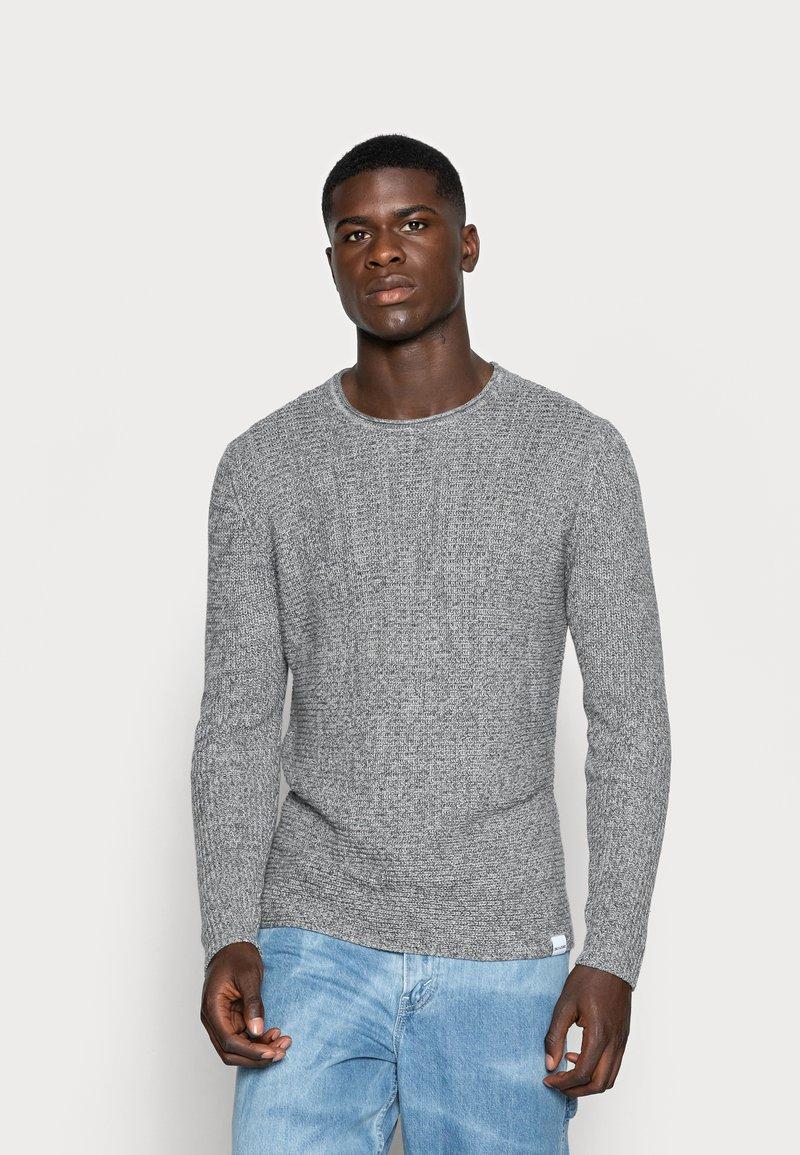 Only & Sons - ONSSATO  - Stickad tröja - light grey melange