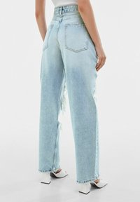 Bershka - Jeansy Straight Leg - light blue - 2