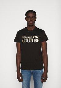 Versace Jeans Couture - Triko spotiskem - black - 0