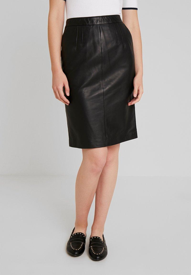 Oakwood - ENORA - Pouzdrová sukně - black