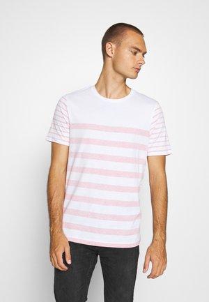 JPRBLA REVERSY TEE  CREW NECK - T-shirt print - white/fiery red