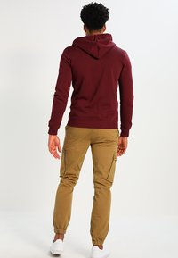YOURTURN - Zip-up hoodie - bordeaux - 2