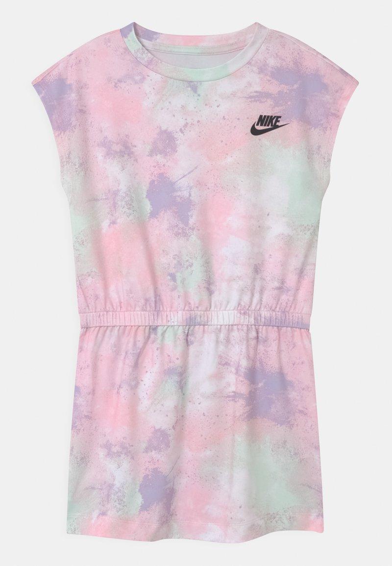 Nike Sportswear - SKYDYE  - Vestido ligero - arctic punch
