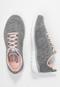 Skechers Sport - FLEX APPEAL 3.0 - Zapatillas - gray/light pink - 3