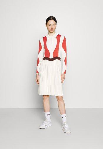 SERENA DRESS - Jumper dress - eggnog/potting soil
