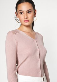 New Look - LACE BACK CARDIGAN - Cardigan - pale pink - 3