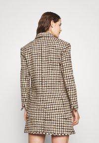 sandro - Short coat - marron/beige - 2