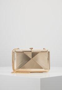 Dorothy Perkins - CASE BOX - Clutch - gold - 0