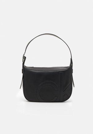 SHOULDER BAG - Håndveske - black
