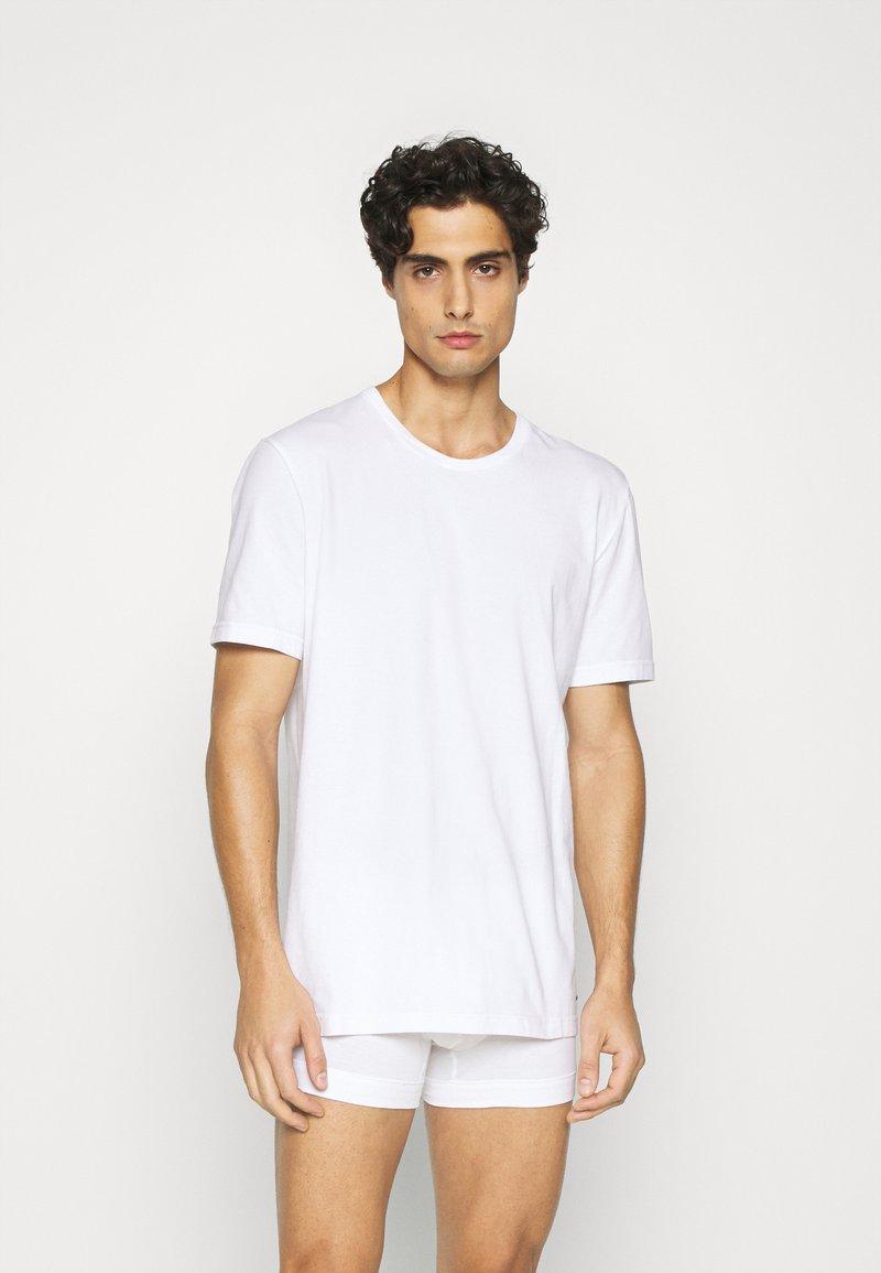 Nike Underwear - CREW NECK 2 PACK - Undershirt - white