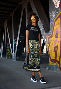 Versace Jeans Couture - SAFFIANO LOCK CROSSBODY - Torba na ramię - nero - 0