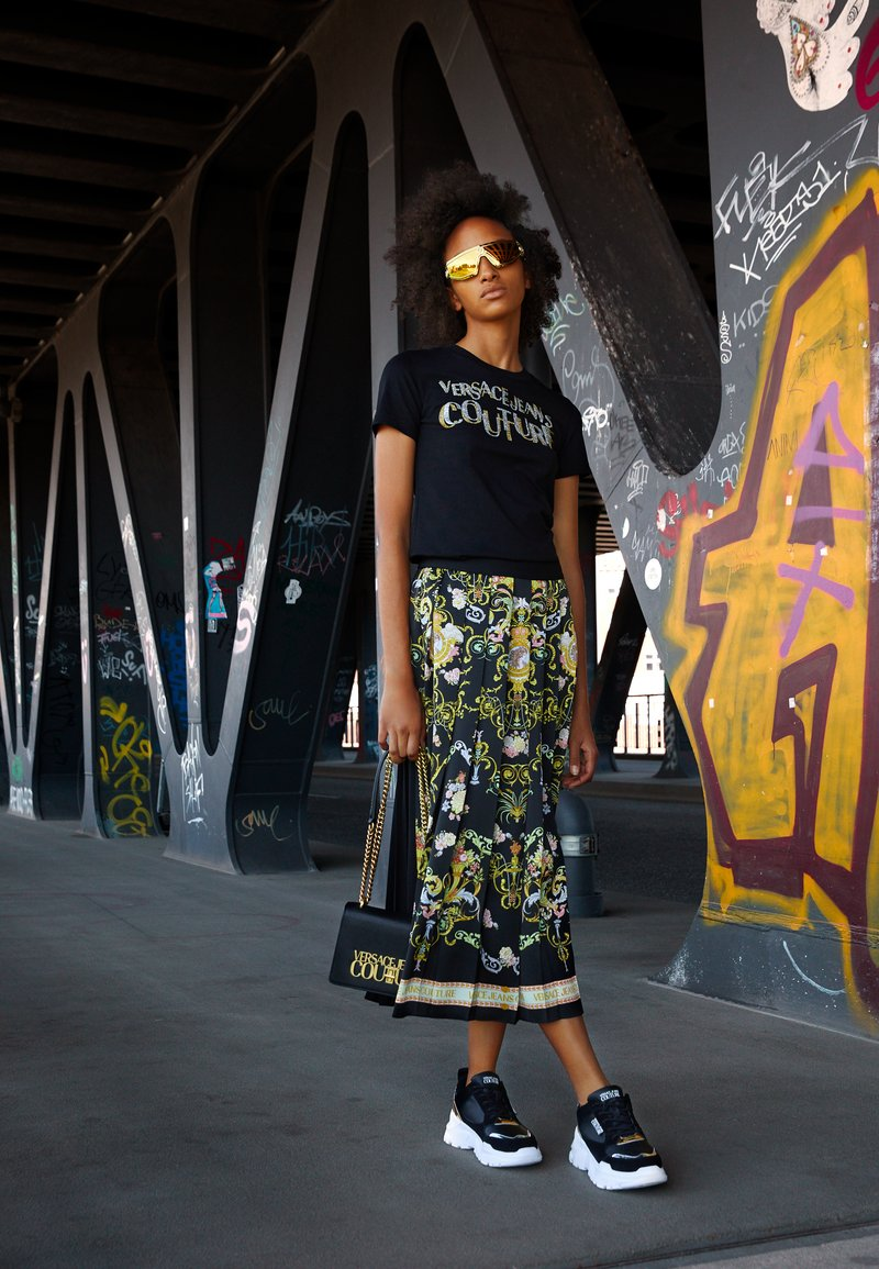 Versace Jeans Couture - SAFFIANO LOCK CROSSBODY - Torba na ramię - nero
