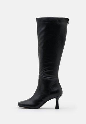 BEAU - Vysoká obuv - black