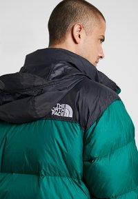 The North Face - 1996 RETRO NUPTSE JACKET - Down jacket - night green - 3