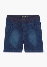 Guess - POLO SHORTS BABY SET  - Denim shorts - white/blue stripe - 2