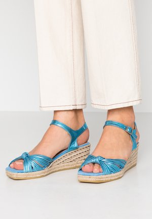 MAUI - Platform sandals - zeus lame aqua
