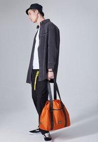 CONSIGNED - IONIA  - Shopping bag - orange - 4
