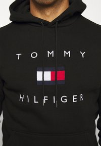 Tommy Hilfiger - FLAG HOODY - Sweat à capuche - black - 5