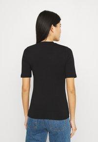 Stylein - CHAMBERS - Jednoduché triko - black - 2