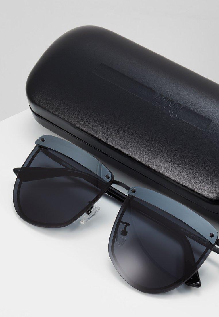 McQ Alexander McQueen Solbriller - black/smoke/svart 0GHgYWeeQIjusdh