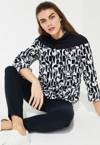 comma casual identity - MIT KAPUZE - Hoodie - ivory letter - 1