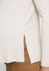 Anna Field MAMA - Long sleeved top - sand - 5