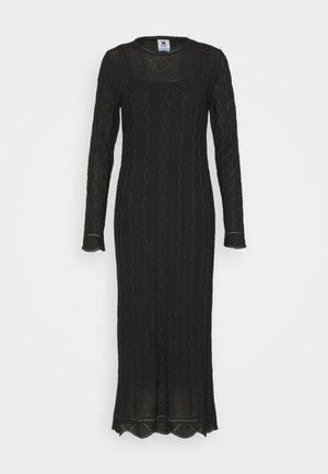 ABITO LUNGO - Pletené šaty - black