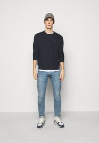Polo Ralph Lauren - LONG SLEEVE - Stickad tröja - navy heather - 1