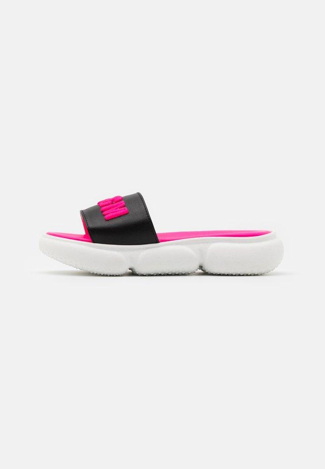 Pantolette flach - black/pink