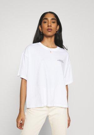 TROOPER FEMALE VALERIA - Print T-shirt - white