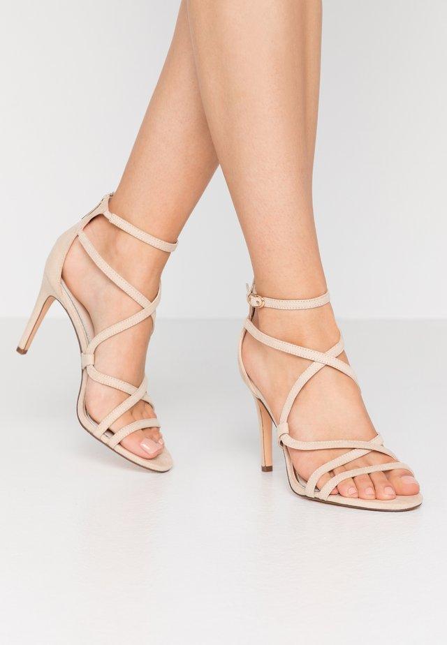 JAMILA - Sandály na vysokém podpatku - nude