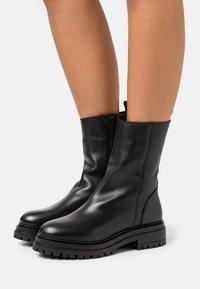 YAS - YASTANK BOOTS - Platform boots - black - 0