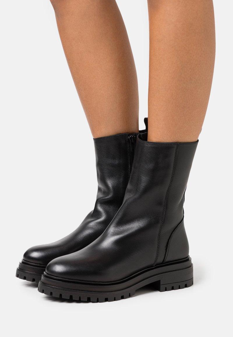 YAS - YASTANK BOOTS - Platform boots - black