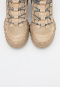 ONLY SHOES - ONLSYLKE LACE UP - Ankelboots - sand - 4