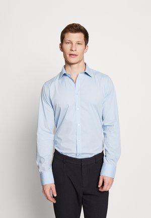 GUSTAV - Kostymskjorta - little boy blue