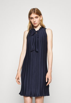PLEATED SHIFT WITH TIE NECK - Cocktail dress / Party dress - dazzling navy