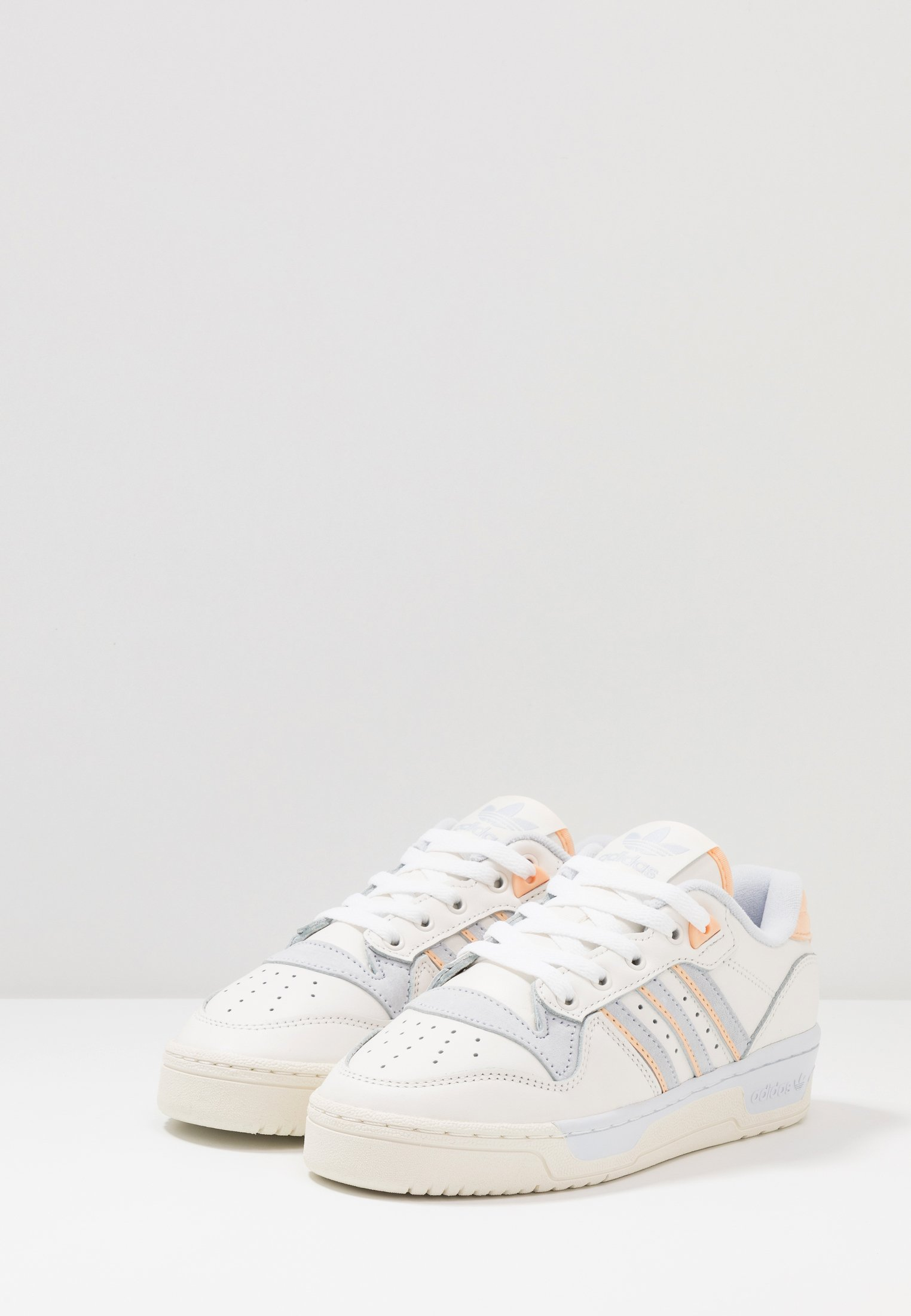adidas Originals RIVALRY - Joggesko - cloud white/offwhite/aero blue