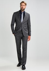 Selected Homme - SLHSLIMNEW MARK SLIM FIT - Kostymskjorta - navy blazer